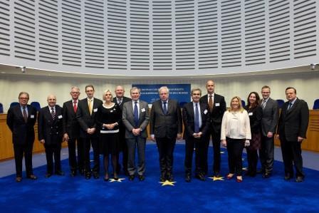 Group photo: Dean Spielmann, President of the European Court of Human Rights, and a delegation from the CCBEPhoto de groupe: Dean Spielmann, Président de la Cour européenne des droits de l'homme, et une délégation de la CCBE